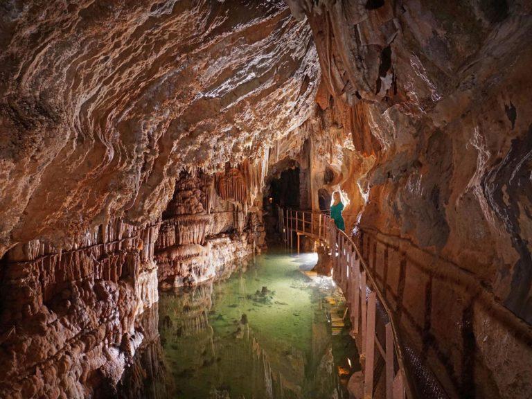 cabardes-grotte-de-limousis